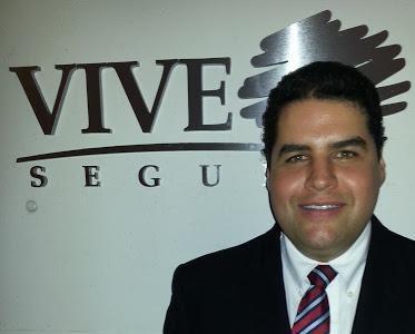 Santiago Rosales C.